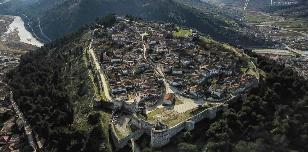 Udhëtim në qytetin e gurtë të Gjirokastrës