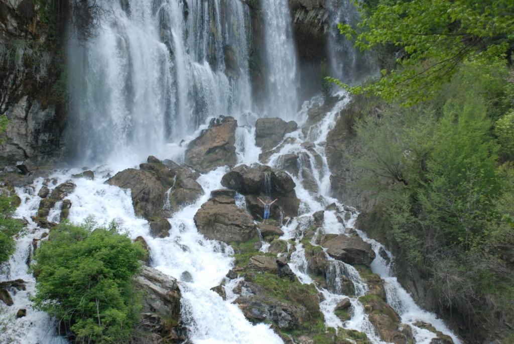 Udhëtim në ujëvarën e  Sotirës
